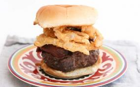 Crispy Onion Chipotle Burger