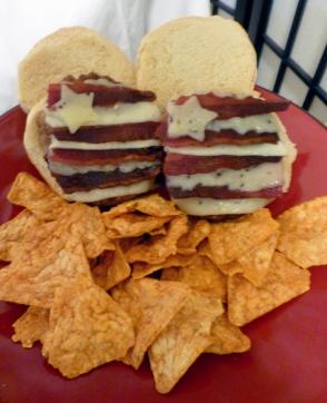 4th-of-july-recipe-patriotic-star-stripe-bacon-burger-recipe-2